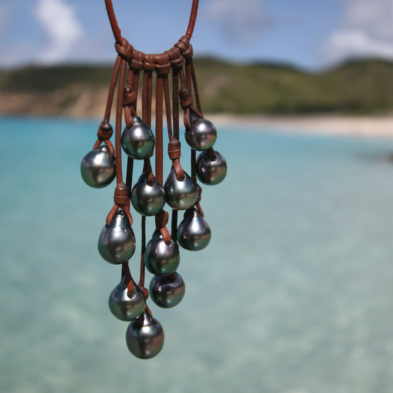 Tahitian Pearl And Leather Necklace: Tahitian Black Pearls Leather Necklace. Tahitian Pearls