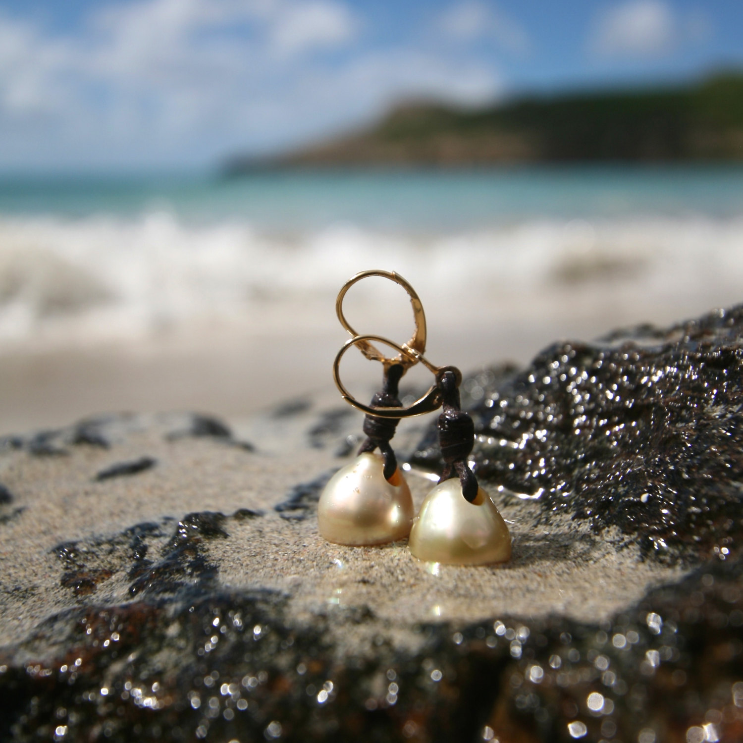 Australian cultured gold pearls drops earings, leather and gold st barths design, leather jewelry, gypsy, seaside, hippiechic & bohemian