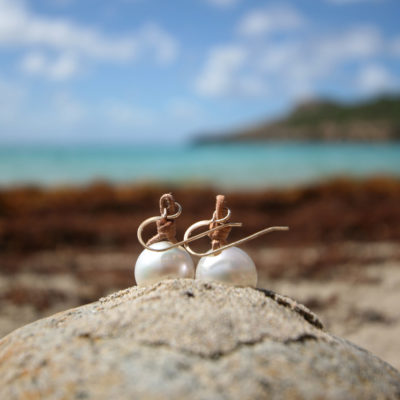 South sea pearl drop earring with leather knots and gold hooks, St Barts beach fashion, boho chic jewelry, cultured pearls, pearl pendant.